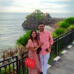 Honeymoon couple from India in Tanah lot - Mari Bali Tours