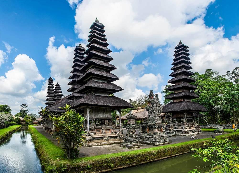 Taman Ayun tempel or Royal Family temple in Bali - Mari Bali Tours