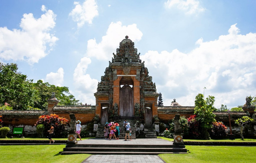 Taman Ayun temple, the Royal Temple at Beautiful and amazing stunning looks - Mari Bali Tours