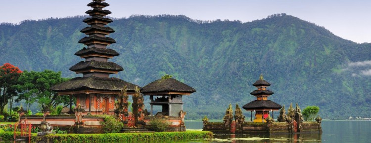 The beautiful looks of Ulun Danu temple at Beratan lakeside in Bedugul highland, Buleleng regency, Bali island - Mari Bali Tours
