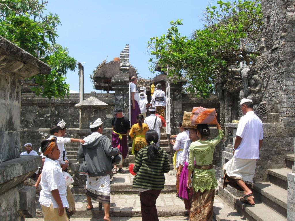 Uluwatu Temple with beautiful cliff & ocean view - Mari Bali Tours