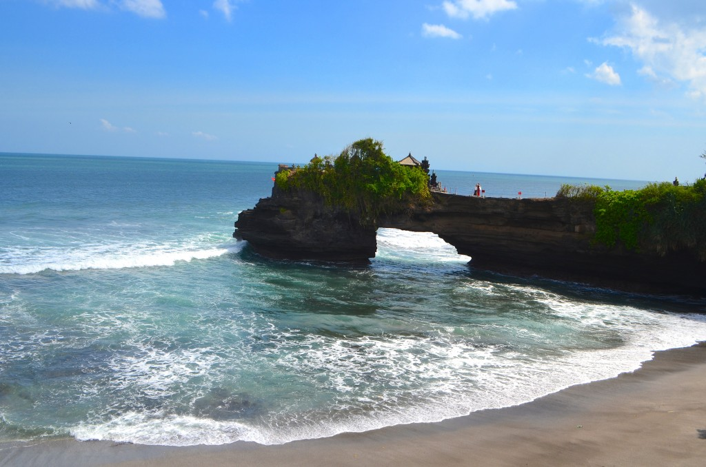 Pura Batu Bolong at beautiful stunning looks in tanah Lot temple area, Tabanan regency, Bali island, Indonesia - Mari Bali Tours