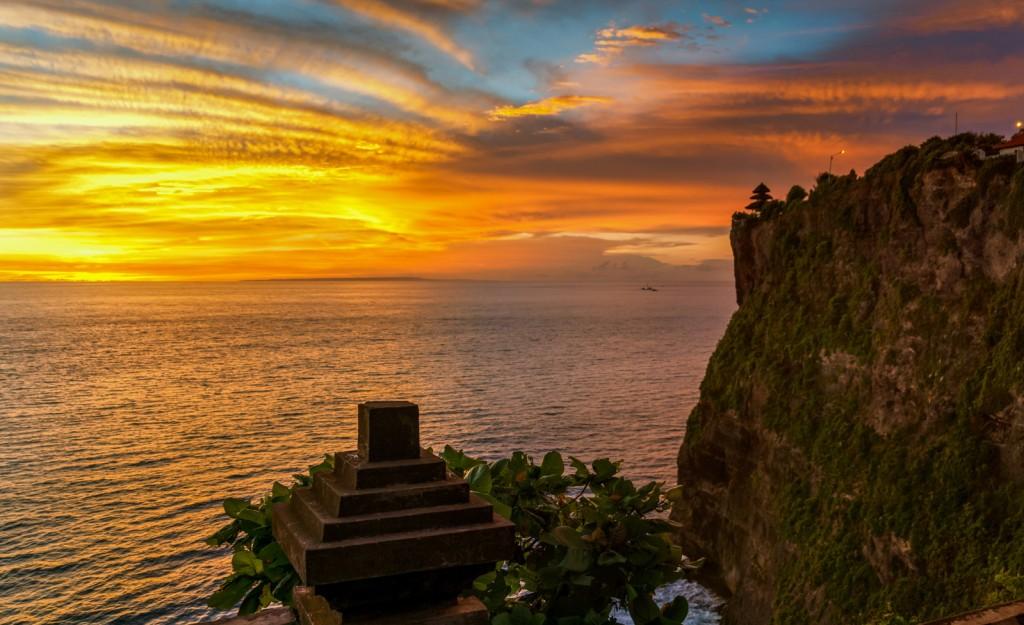 Bali Wonderful Sunset at Exotic Uluwatu temple, Bali Island - Mari Bali Tours
