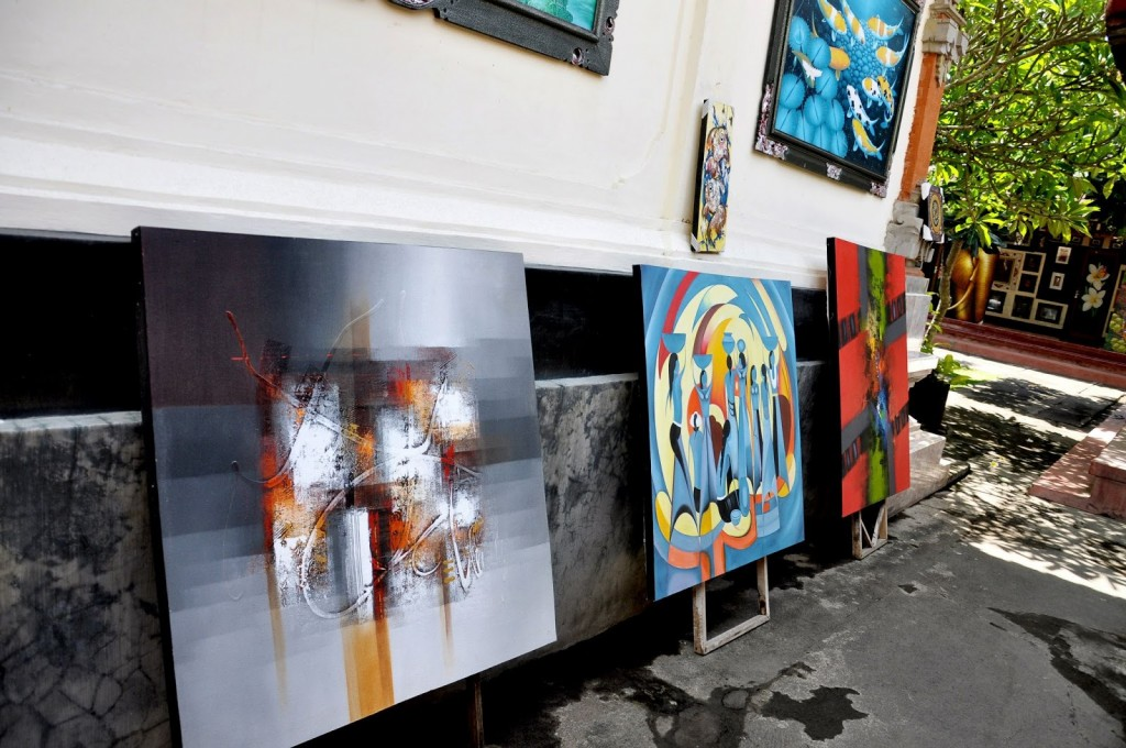 Balinese Traditional painting at art studio - Mari Bali tours