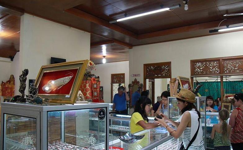 Silver art and production at Celuk Village, Gianyar, Bali - Mari Bali Tours