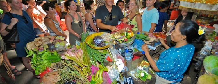 Traditional market Kumbasari  Badung - Mari Bali Tours