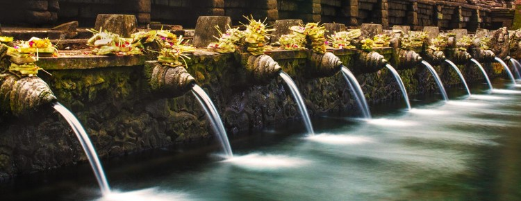 Tirtha Empul temle, Holy spring water temple in Tampaksiring, Bali - Indonesia - Mari Bali Tours
